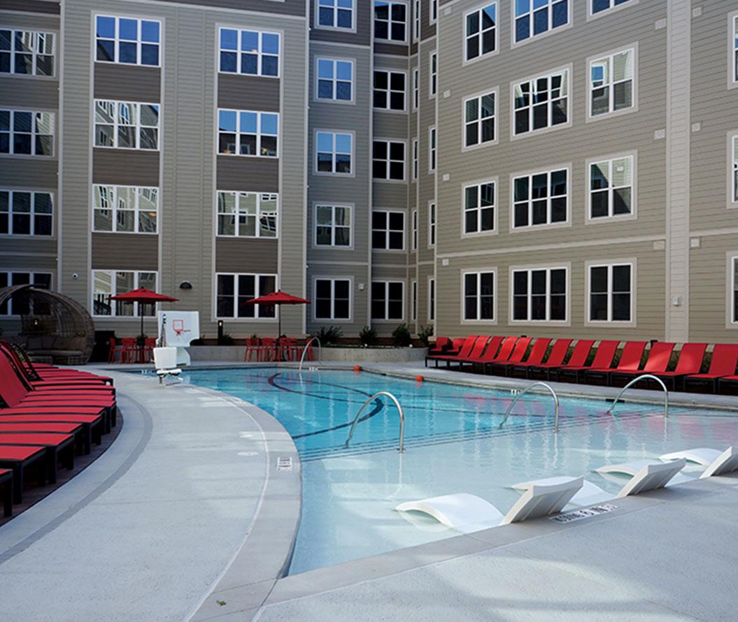 Stanhope Apartments salt water pool